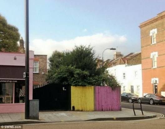 A Small Street Corner Garden Sells for $194,196, Making it the Most Expensive Garden in UK