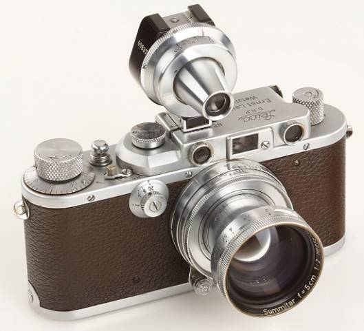 Leica camera used for the historic 'Kiss in Times Square' up for sale