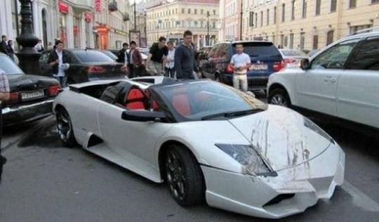 Tuned Lamborghini Mucielago smashed five cars in Russia