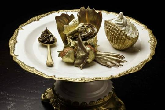 World's most expensive cupcake is s coated in edible 23 carat gold sheets