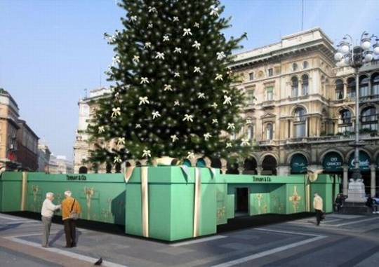 tiffany co christmas tree in milan