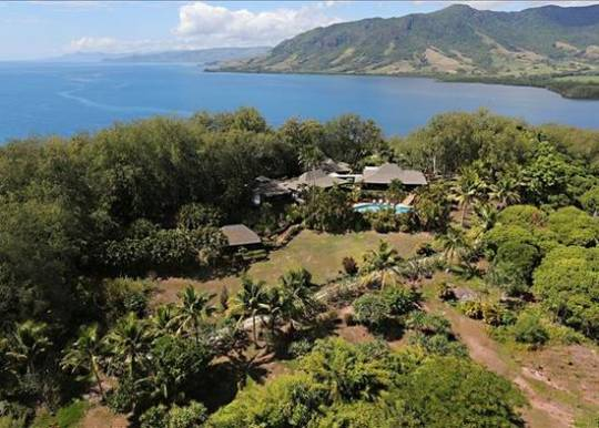 Property on Nananu-i-Cake Island