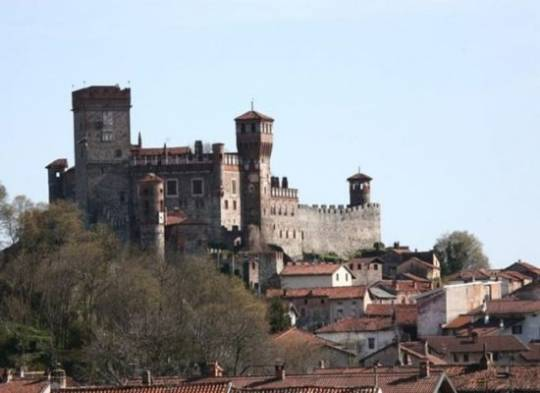 Medieval castle in Italy for sale