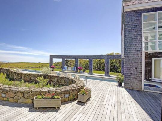 house-of-the-day-you-can-buy-314-gorgeous-acres-on-marthas-vineyard-for-118-million
