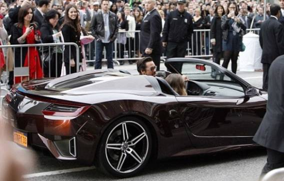 Robert Downey Jr drives Acura NSX Roadster