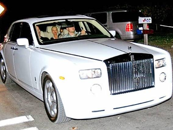 photo of Christina Aguilera Rolls Royce Phantom - car