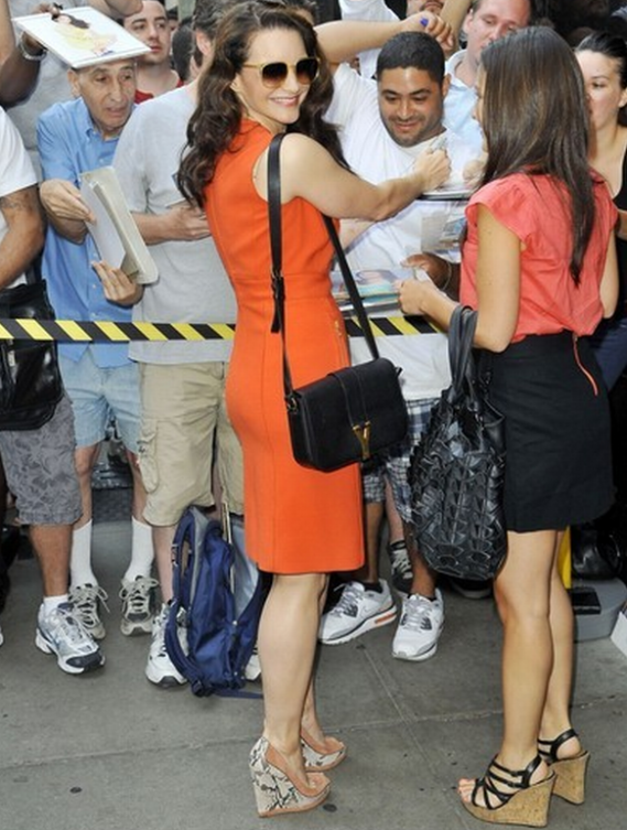 The style diva, Kristin Davis flaunts with her black Yves Saint Laurent Chyc Flap Bag.
