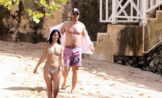 Gerard Butler vacations in Barbados