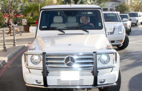 Pop diva Britney Spears loves to take out her silver white Mercedes GM 550 on long drives.