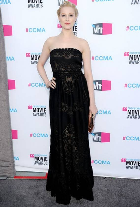 The beautiful singer was seen carrying this stunning accessory during the 17th Annual Critics' Choice Movie Awards ceremony, held on the 12th of January, 2012.