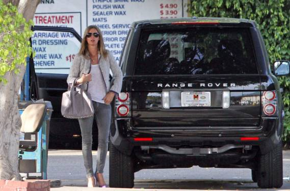 Nicky Hilton drives Range Rover
