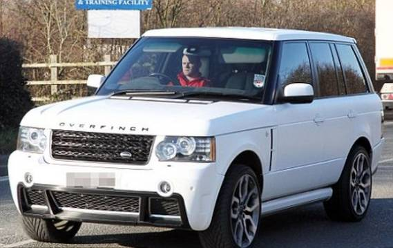 Wayne Rooney drives Range Rover Overfinch