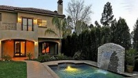 photo: house/residence of friendly 25 million earning Woodland Hills, CA, USA-resident