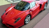 An Enzo Ferrari worth $600,000 crashes!