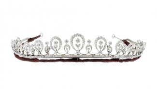 Sale of Edwardian diamond tiara raises £12,000 for charity