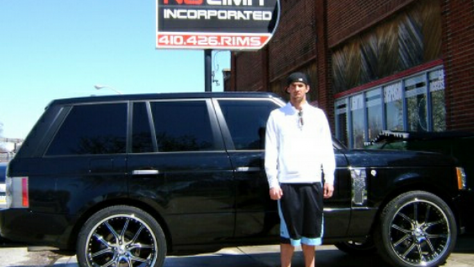 Michael Phelps is often seen driving a black Range Rover which is heavily customized
