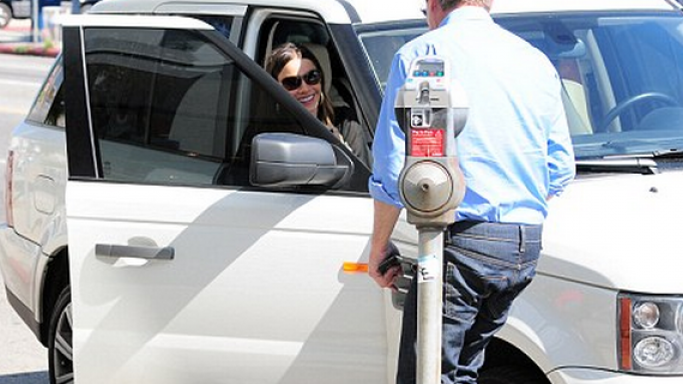Sofia Vergara likes driving big cars herself. She was spotted travelling in a Range Rover when going for a lunch with her friend in West Hollywood in September, 2011.