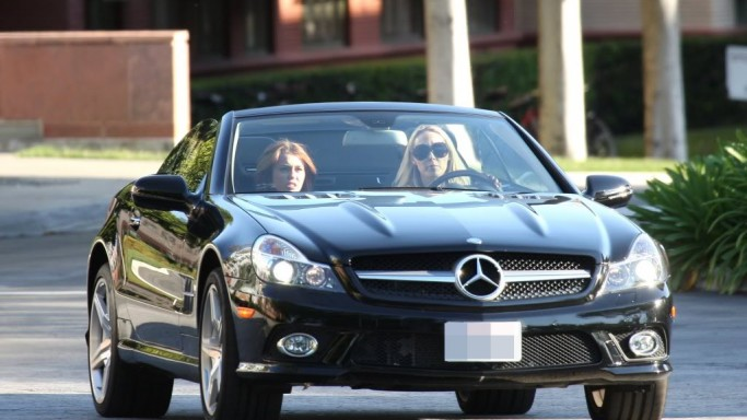 The reality TV star loves to embark on long drives in her black colored Mercedes-Benz SL550.