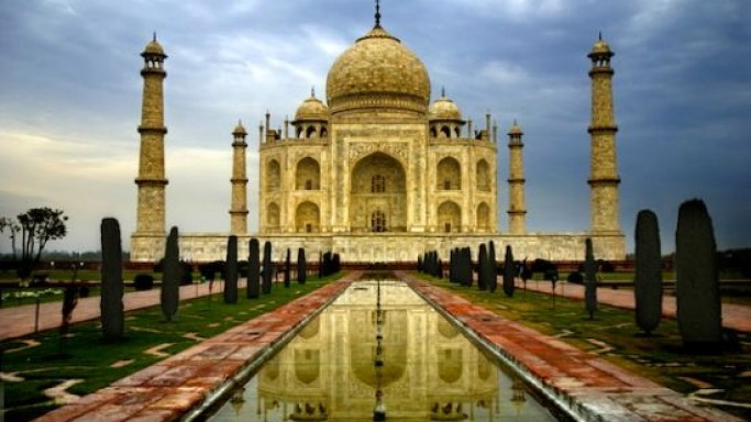 $1 Billion Taj Mahal Replica 'Taj Arabia' Dubai could be the world's most expensive wedding venue