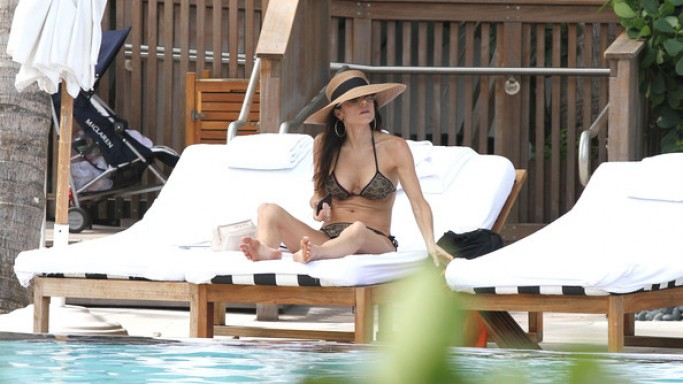 Bethenny Frankel enjoys her miami vacation