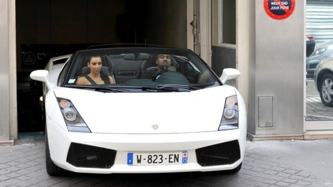 Kanye West drives Lamborghini Gallardo