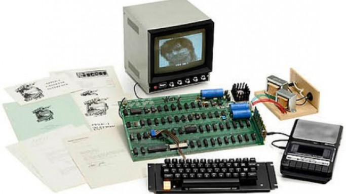 Steve Wozniak Signed Apple 1 computer set for auction