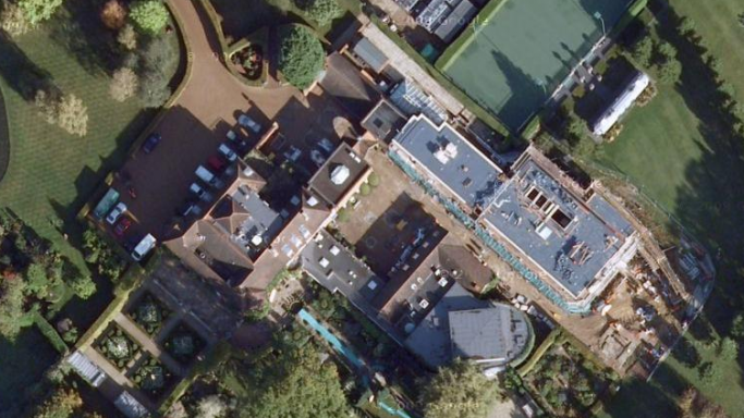 Elton John mansion in Windsor Castle in Woodside
