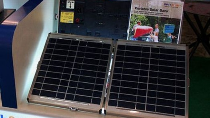 Solar panel in a briefcase: Green power gets a business class look