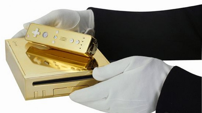 One-off gold plated Wii for the Queen of England
