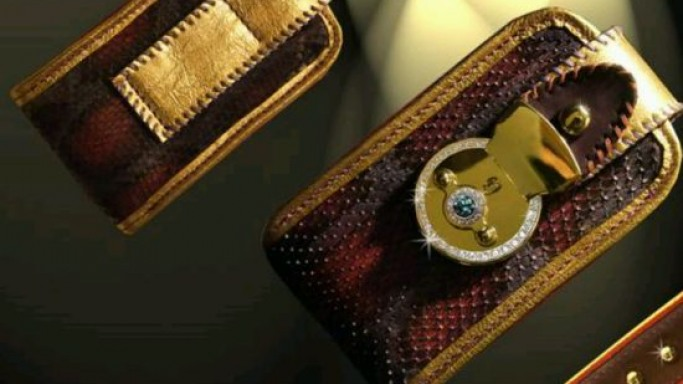 Worlds' most expensive iPhone wallet awaits rendezvous with equally lavish iPhones