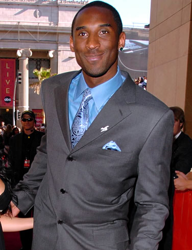 The 38-year old son of father Joe Bryant and mother Pamela Bryant, 198 cm tall Kobe Bryant in 2017 photo