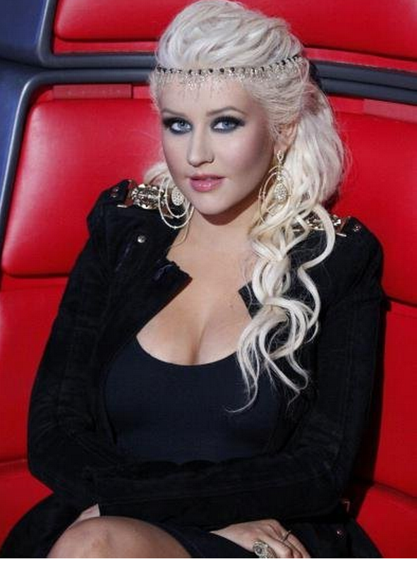 Christina Aguilera Wiki >> Christina Aguilera - biography, net worth, quotes, wiki, assets, cars, homes and more