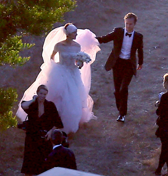 Anne Hathaway And Husband Wedding: Anne Hathaway And Adam Shulman