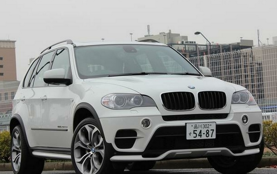 bmw x5 diesel bornrich price features luxury factor engine review top speed mileage and. Black Bedroom Furniture Sets. Home Design Ideas